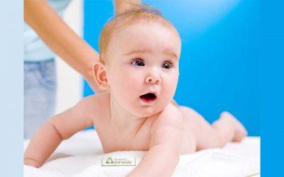 Можеме ли да направиме ајурведска масажа со масло на новороденче после една недела?